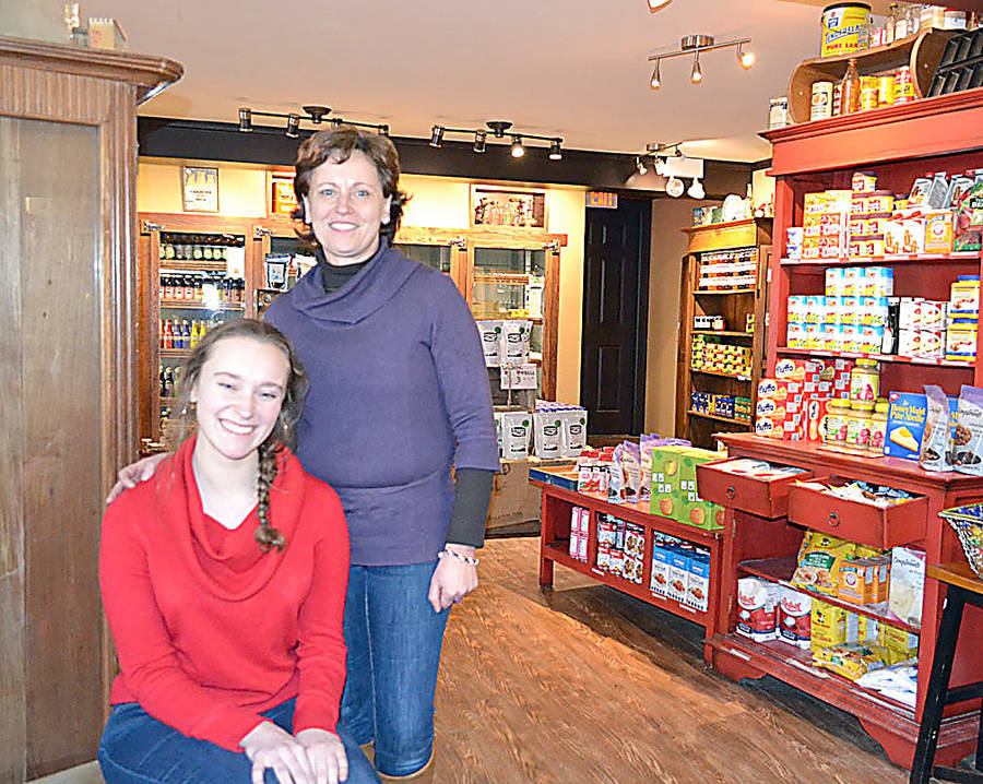 <p>GAYLE WILSON PHOTOS</p><p>Anja Henschel (right) and her daughter Jo of Rose Bay General Store & Bistro.</p>