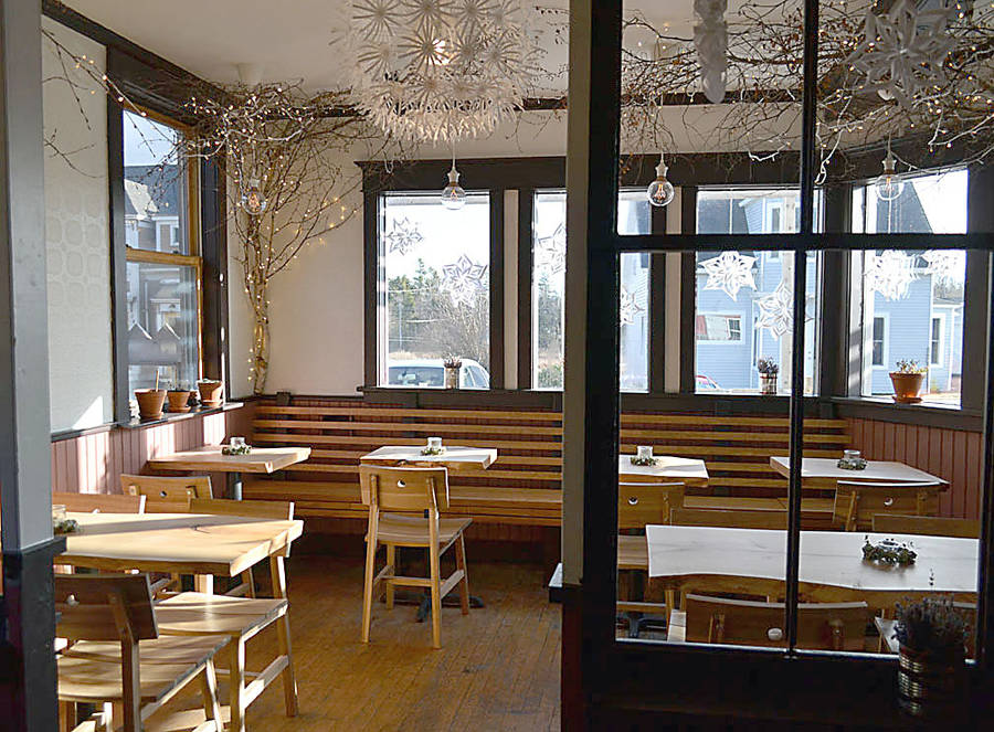 <p>The Rose Bay General Store & Bistro now offers a healthy selection of sandwiches with soup and salad sides and a rotating series of special menu items such as quiche and stews.</p>