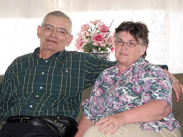 <p>FACEBOOK/RHONDA RAMSAY</p><p>Peter and Joy Bond, pictured, in 2009. Family members confirmed the couple are among the 22 victims of the mass homicide in Colchester County.</p>