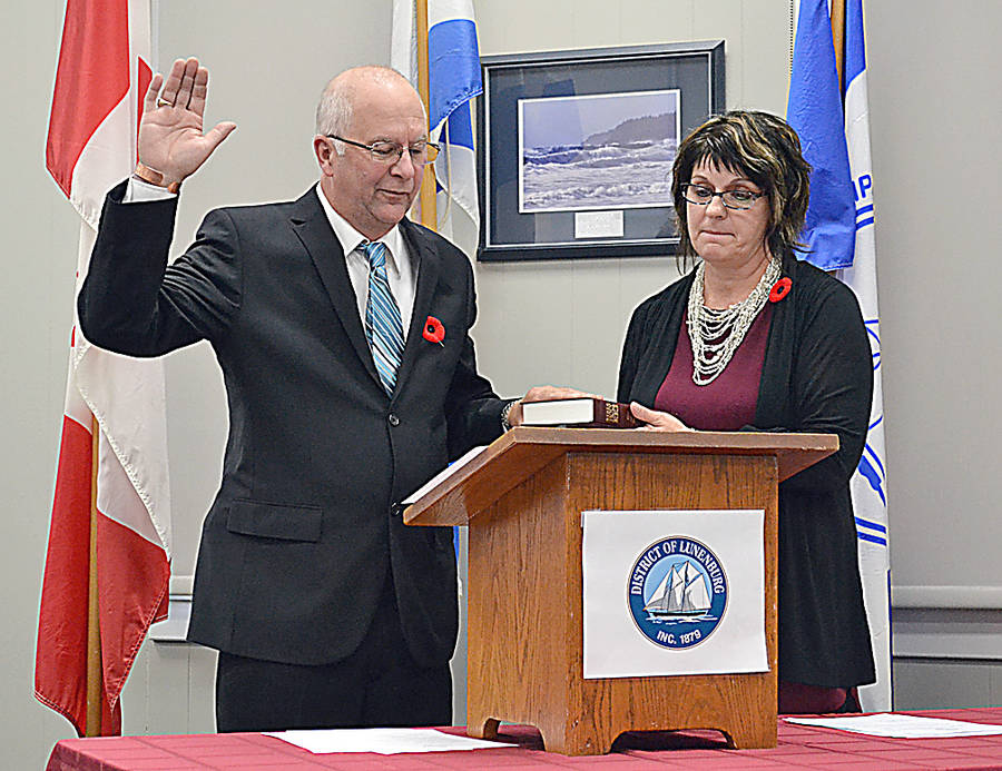 <p>FILE PHOTO</p><p>Reid Whynot was sworn in as the councillor for the Municipality of the District of Lunenburg&#8217;s (MODL&#8217;s) District 9 in 2016. Standing next to him is MODL&#8217;s municipal clerk, Sherry Conrad.</p>