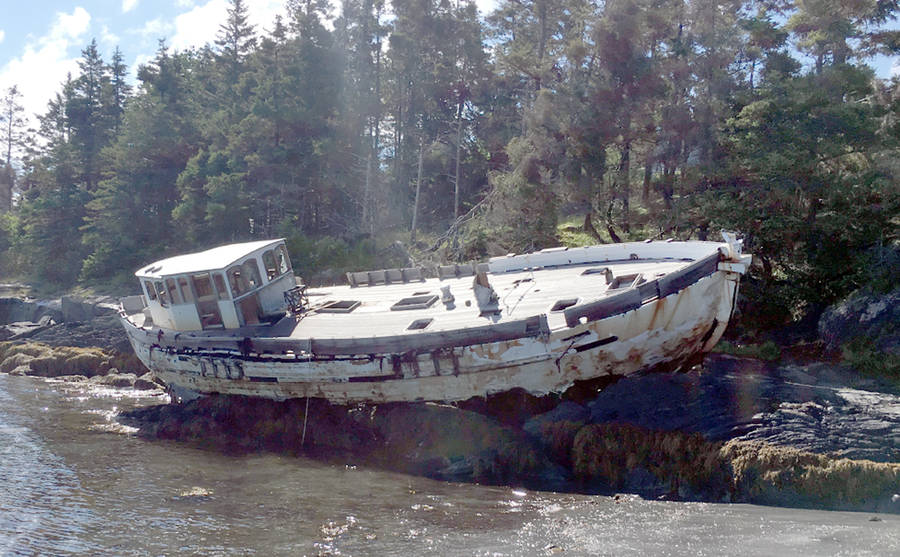 <p>NOVA SCOTIA LANDS TENDER, PHOTO</p><p>The Schwalbe, an abandoned vessel that ran aground in Feltzen South in 2015 and has languished there ever since, is set for demolition and removal. See story Page 2.</p>