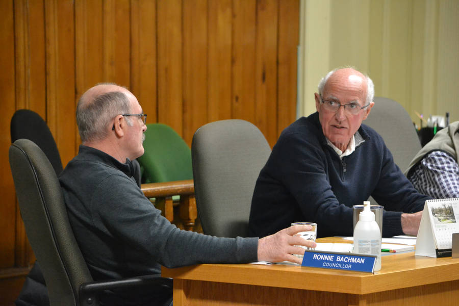<p>FILE PHOTO</p><p>Lunenburg council reinstated Councillor Brian Davis to the general government and audit committees after an in-camera discussion on March 14. From left, Councillor Ronnie Bachman and Davis.</p>