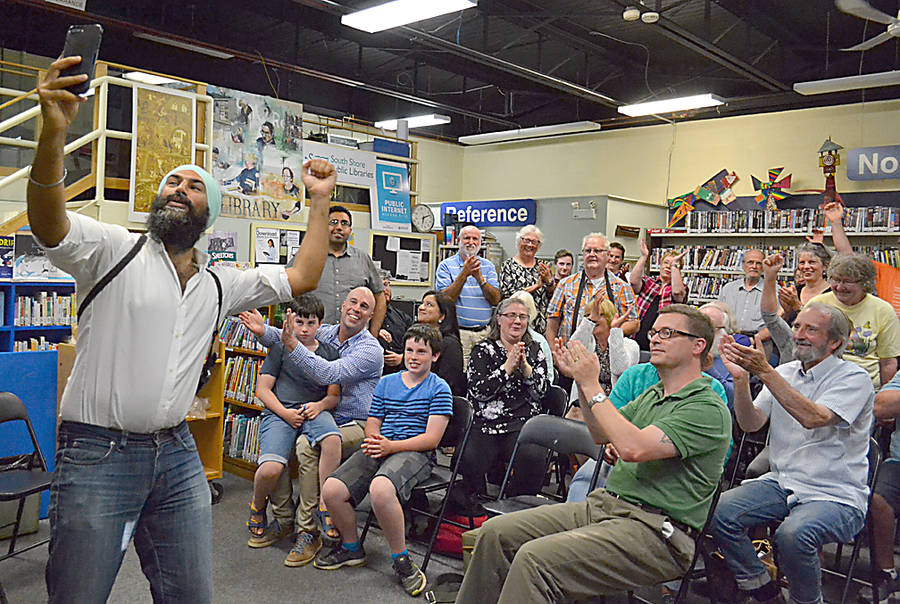 <p>GAYLE WILSON PHOTO</p><p>Jagmeet Singh, the leadership candidate for the federal NDP, positions for a selfie with attendees of his campaign stop at the Lunenburg Library August 28.</p>