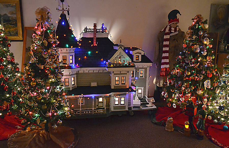 <p>GAYLE WILSON PHOTO</p><p>A doll house which is part of the Festival of Trees and Dickensville at the Queens County Museum in Liverpool.</p>