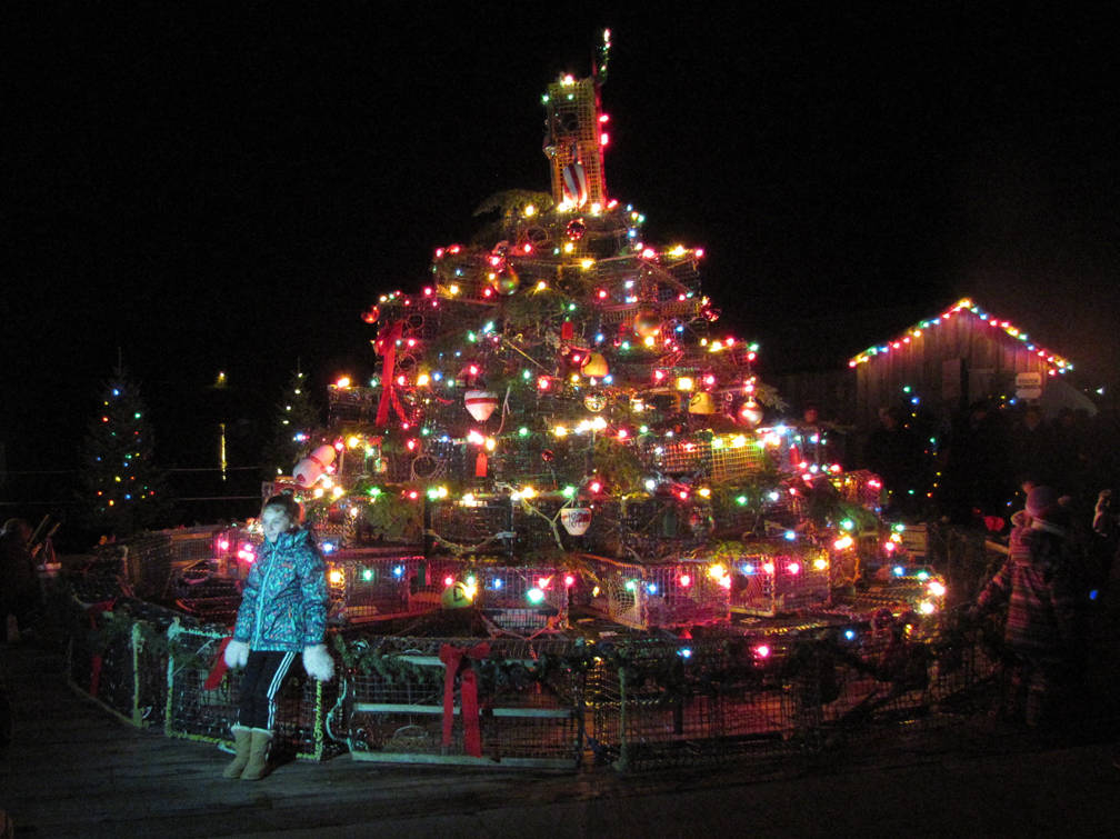 <p>The lobster trap tree was a hit with young and old alike.</p>