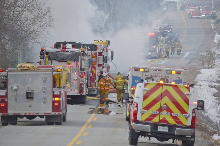 <p>KEITH CORCORAN PHOTO</p><p>Emergency crews on Northfield Road deal with a house fire incident January 25.</p>